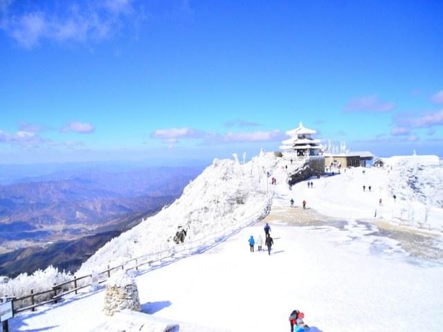 10 Best Korea Ski and Snowboard Resorts to Smash this Winter
