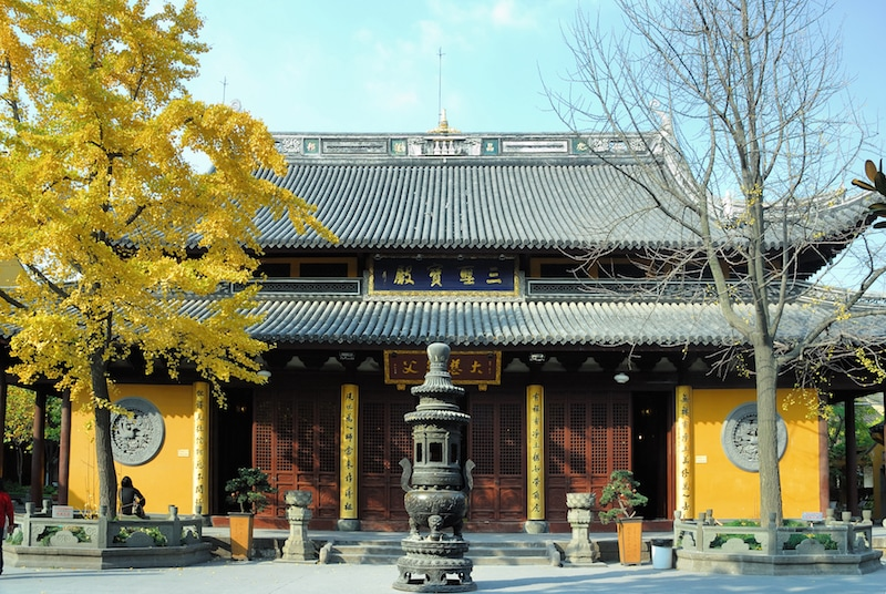Chinese New Year in Shanghai: The Longhua Temple