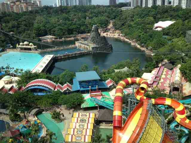 6 Theme Parks You Must Visit in Southeast Asia