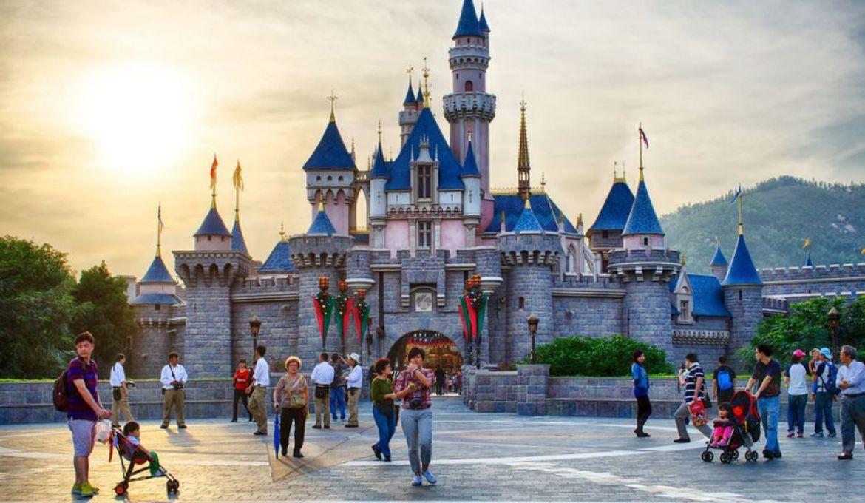 """""""Where Do I Start?"""" The Beginner's Travel Guide To Hong Kong Disneyland"""