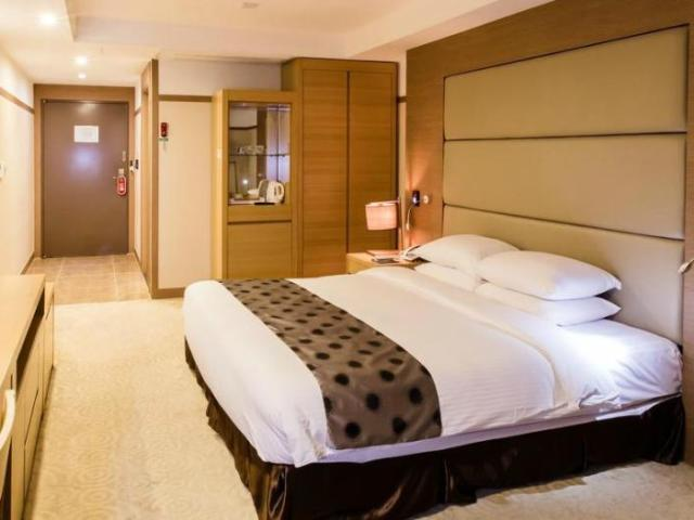 Best Hotels and Accommodations for Korea's Cherry Blossom Festivals