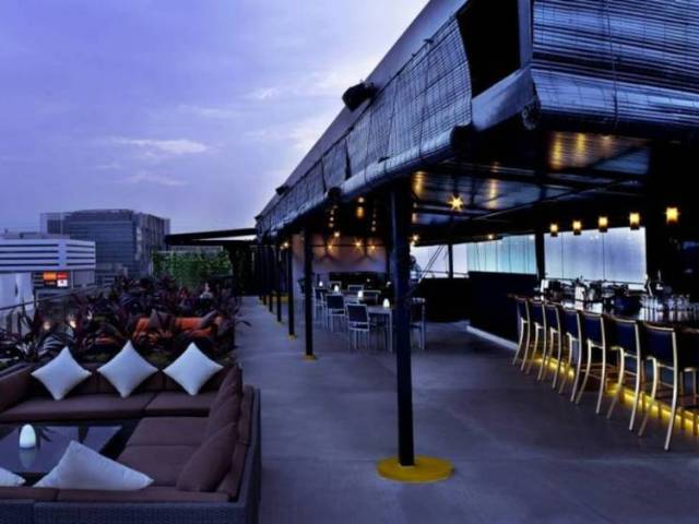 13 Best Rooftop Bars for Drinks with a View in Singapore – According to SG Magazine