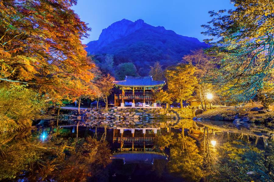 Baekyangsa Temple (image via Shutterstock)