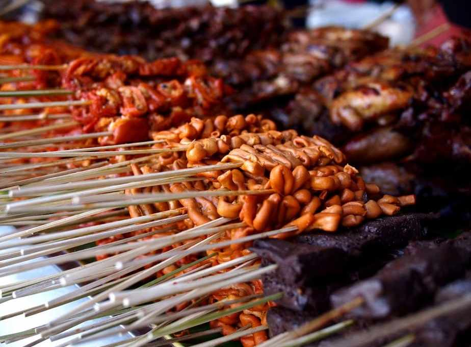 Your Guide To Filipino Street Food