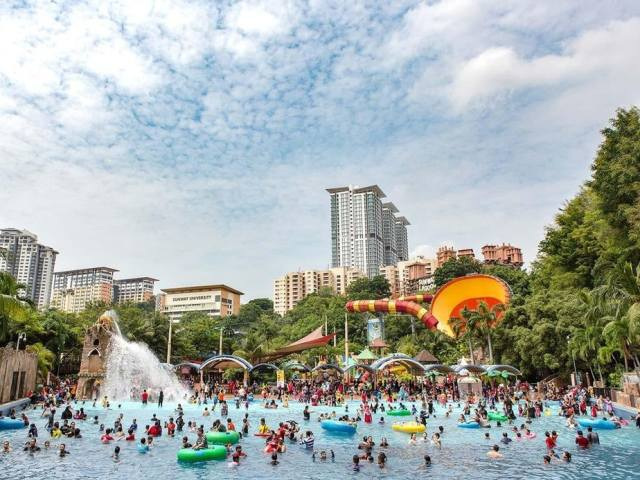 10 Of The Craziest Rides And Attractions At Sunway Lagoon