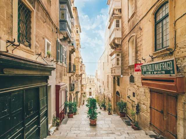How to Get Around Valletta: Malta Transportation Guide