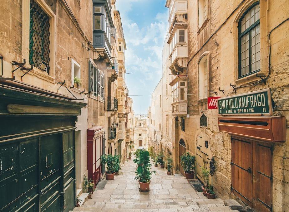 How to Get Around Valletta: Malta Transportation Guide
