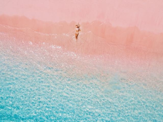8 Pretty Pink Sand Beaches Around The World