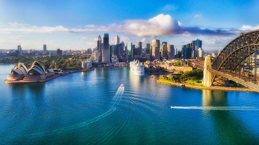Sydney Harbour bridge live