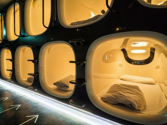 What You Should Know Before Sleeping In A Capsule Hotel