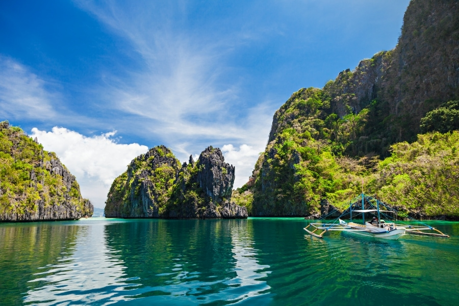Emerald waters of El Nido