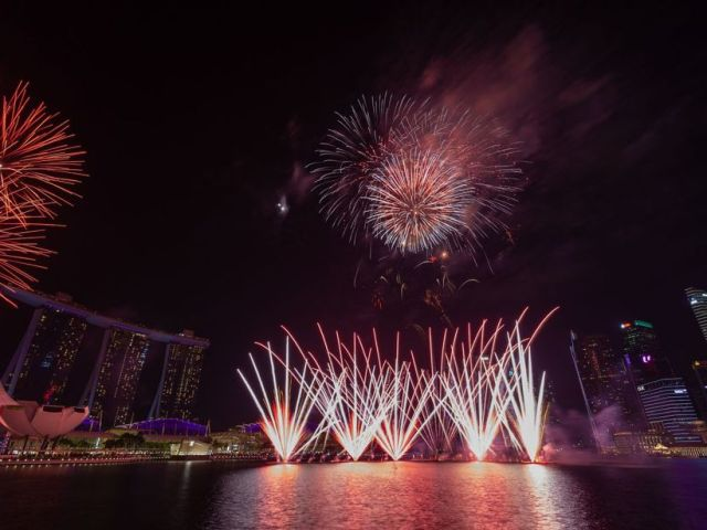 Best Spots To Watch Marina Bay Sands' New Year's Eve Fireworks Display For Free