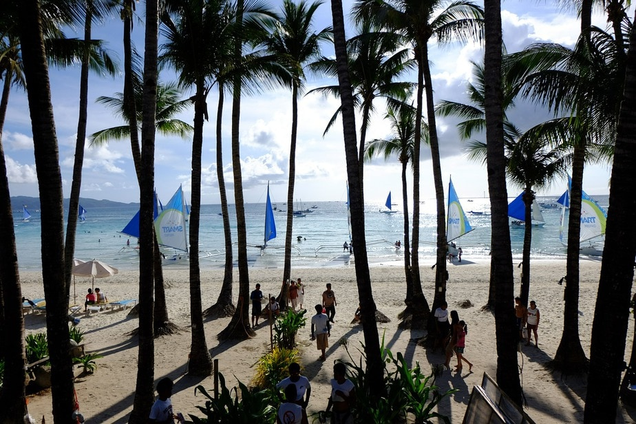 Boracay is back! (image via image via Max Pixel)