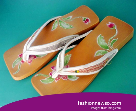 Multiple Of Type Traditional Sandal Bakiak Painting
