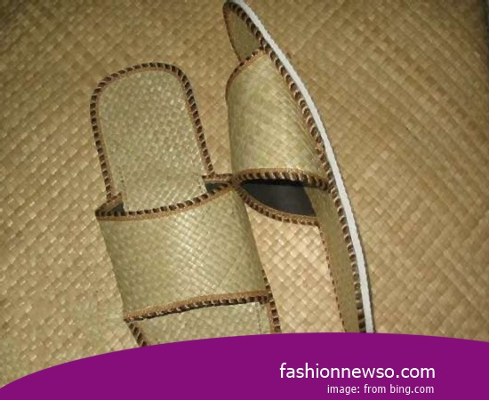 Sorts Of Motif Traditional Woven Sandals For Girls