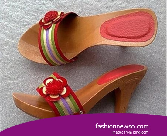 Sorts Of Type Traditional Sandal Bakiak For Lebaran