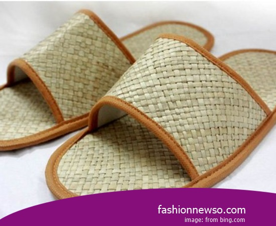 Sorts Of Type Traditional Sandals Selop For Lebaran