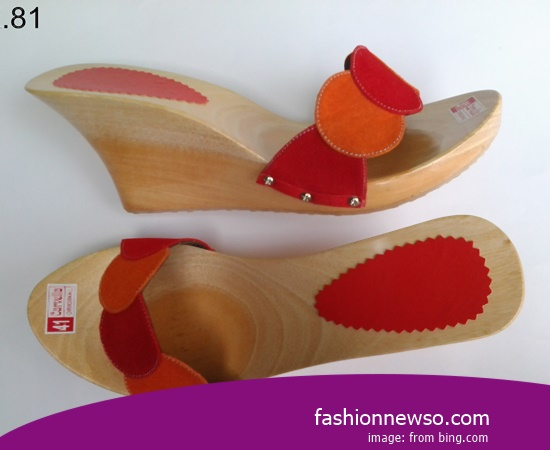 The Craftsmen Traditional Sandals Selop In Province South East Sulawesi Indonesia