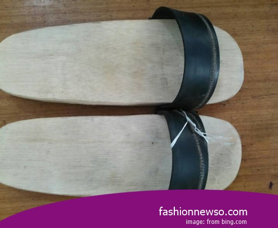 Wholesale Place Traditional Sandals Bakiak In Province East Nusa Tenggara Indonesia
