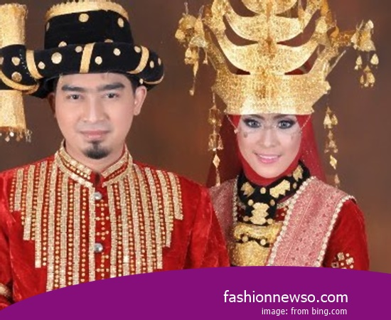 Example Of Model Apparel Indigenous Betawi Wedding