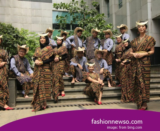 Example Of Model Apparel Traditional Ciamis