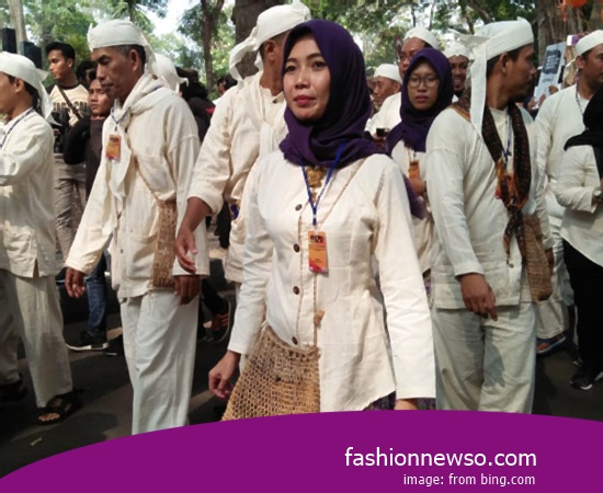Heres Type Clothes Indigenous ACEH