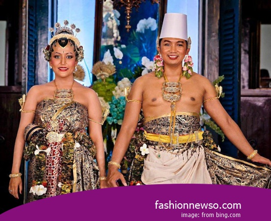 Various Models Of Fashion Traditional Weddings Nggembe Central Sulawesi In Indonesia