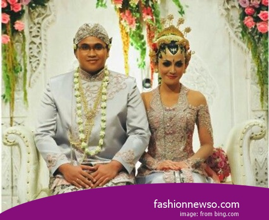 Various Models Of Clothing Distinctive Weddings South Sumatras Aesan In Indonesia