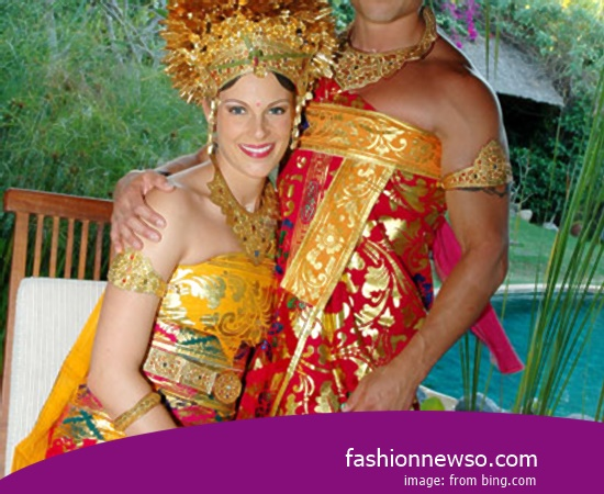 Some Type Of Apparel Traditional Weddings Papua In Indonesia