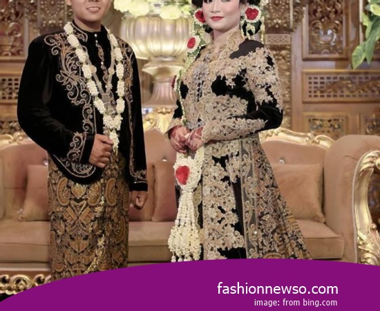Some Motif Of Apparel Traditional Weddings Papua In Indonesia