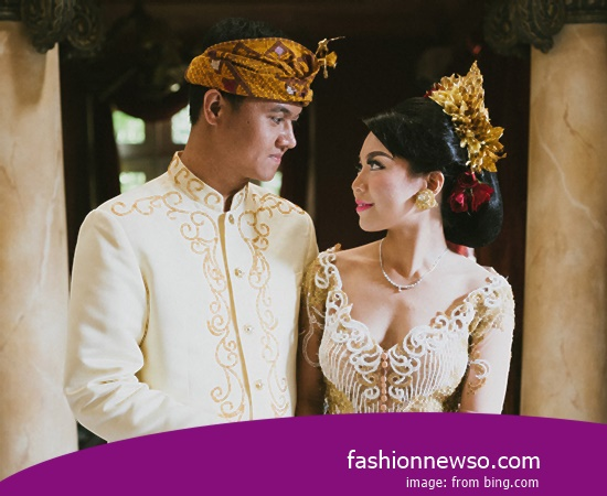Some Type Of Fashion Typical Traditional Brides Riau In Indonesia