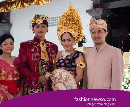 Various Motif Of Apparel Typical Traditional Brides Commissioner of East Java In Indonesia
