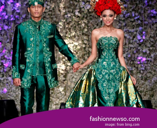 Some Motif Of Apparel Typical Traditional Brides Riau In Indonesia