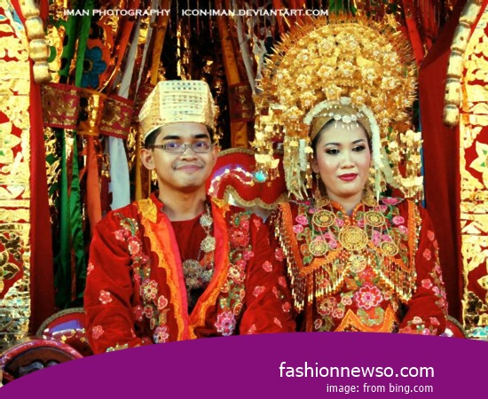 Various Type Of Apparel Typical Traditional Brides West Sulawesi Rail In Indonesia