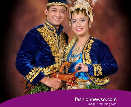 Some Motif Of Clothing Traditional Weddings The Pangsi Banten In Indonesia