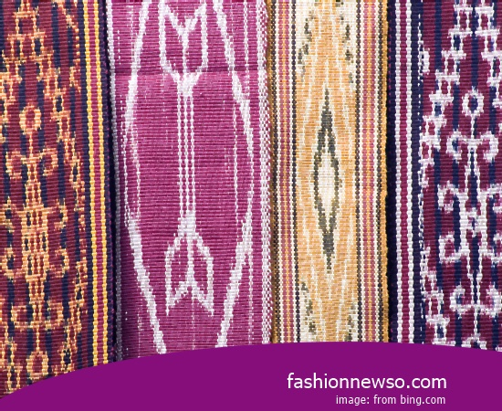 Multiple Type Ulos Fabric Traditional Headband In Indonesia