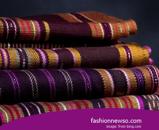 Multiple Motif Cloth Grinsing Traditional Striated In Indonesia