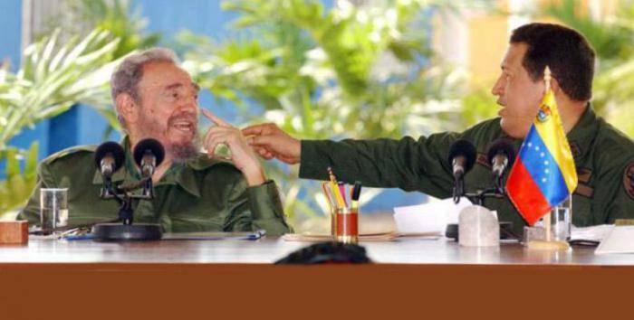 "Fidel Castro and Hugo Chávez during broadcast 231 of the popular television program ""Aló Presidente."" Photo: Juvenal Balán"