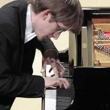 marcin-koziak-piano