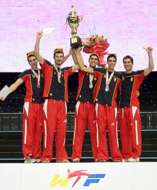 2010-07-20_(1589)x_masTaekwondo_WTFphoto_WTF2010_WorldCupTeam_25_España_M