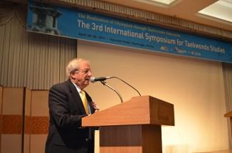 2011-04-29_(2232)x_masTaekwondoPlus_Photo-WTF_International-Symposium_02