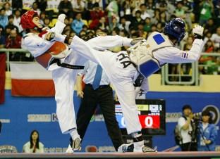 2011-05-05_(2360)x_PhotoWTF_Gyeongju_taekwondo_Day5_17