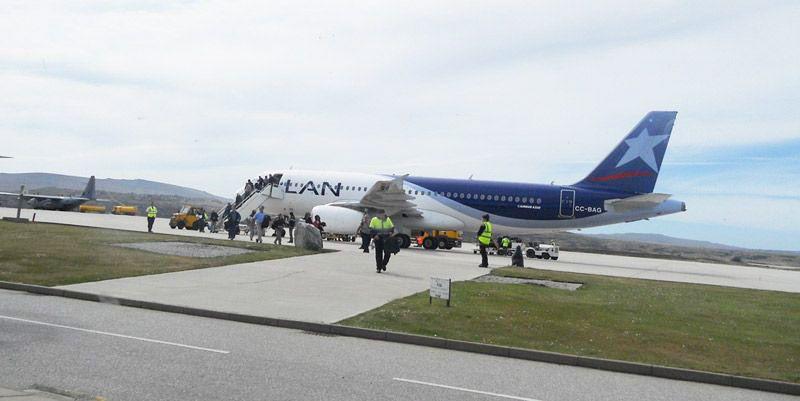 Resultado de imagen para falklands airport
