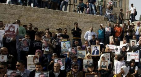 SCORES OF PALESTINIAN HUNGER STRIKERS MOVED TO HOSPITALS