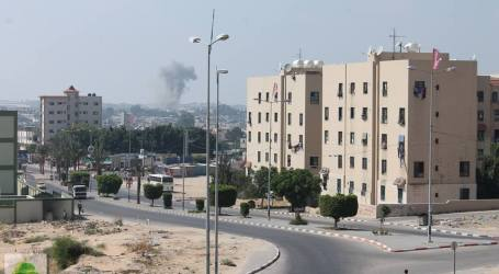 ISRAELI OCCUPATION FORCES AIRSTRIKES HIT PALESTINIAN HOUSES