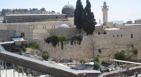 IOA LAUNCHES CONSTRUCTION OF ANOTHER WOODEN BRIDGE ABOVE AL-AQSA GATE
