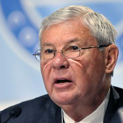 BOB GRAHAM ACCUSES OBAMA OF REPEATING PAST MISTAKES