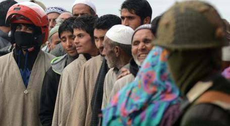 THOUSANDS LINE UP TO VOTE IN KASHMIR