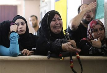 RAFAH OPEN FOR 3RD DAY AS THOUSANDS WAIT TO CROSS