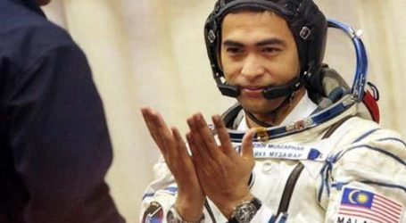BEING A DEVOUT MUSLIM ON SPACE TRAVEL OR ON THE MOON